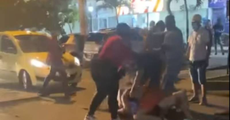 Influencer protagonizó tremenda pelea en plena calle de Cartagena