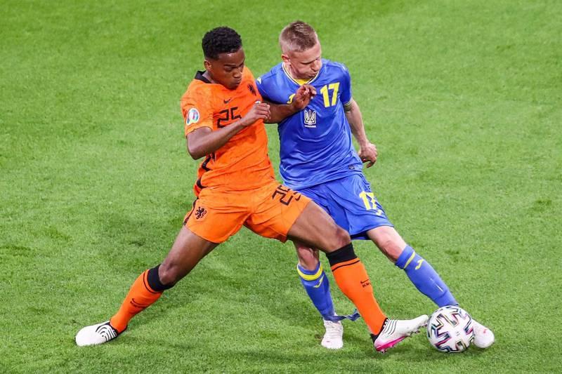 Países Bajos y Ucrania protagonizaron una batalla cargada de goles