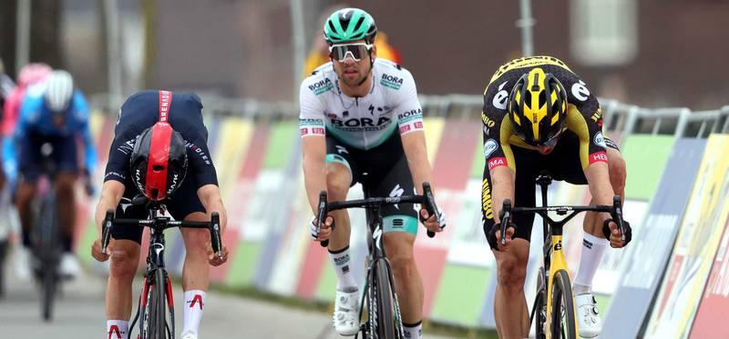 ¡Escándalo en el ciclismo! Sancionan a equipo completo por dopaje